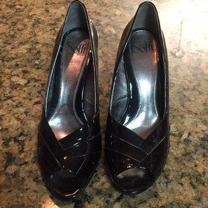 Soffi black patent leather heel